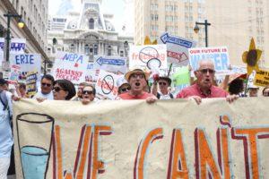 anti-fracking-protest-philadelphia-pennsylvania-july2016_credit-suzanne-bobosky_1000